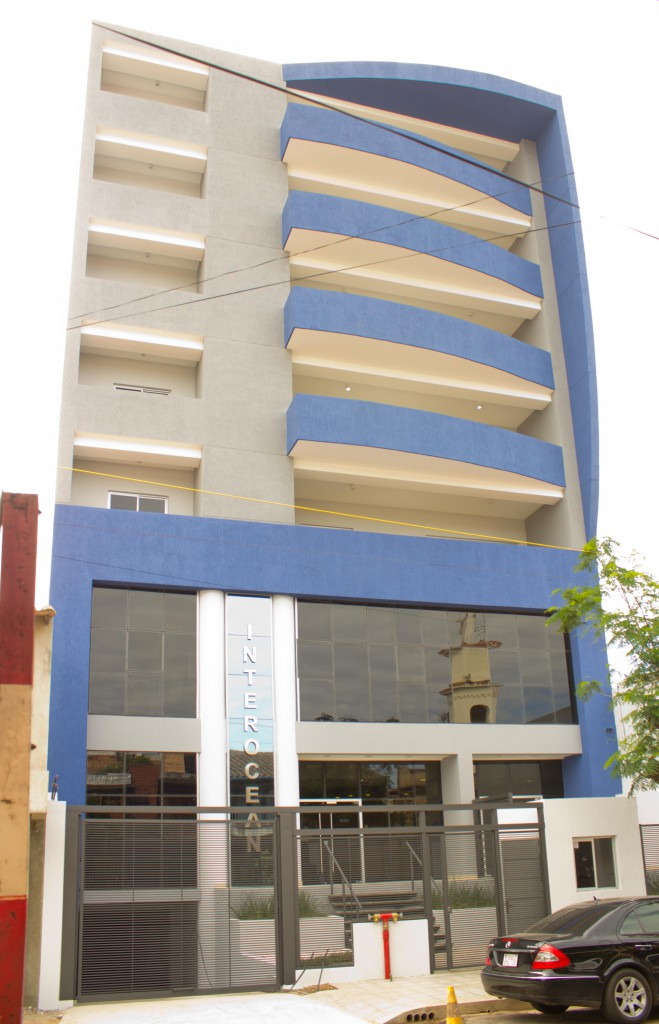 Edificio Corporativo y de Departamentos